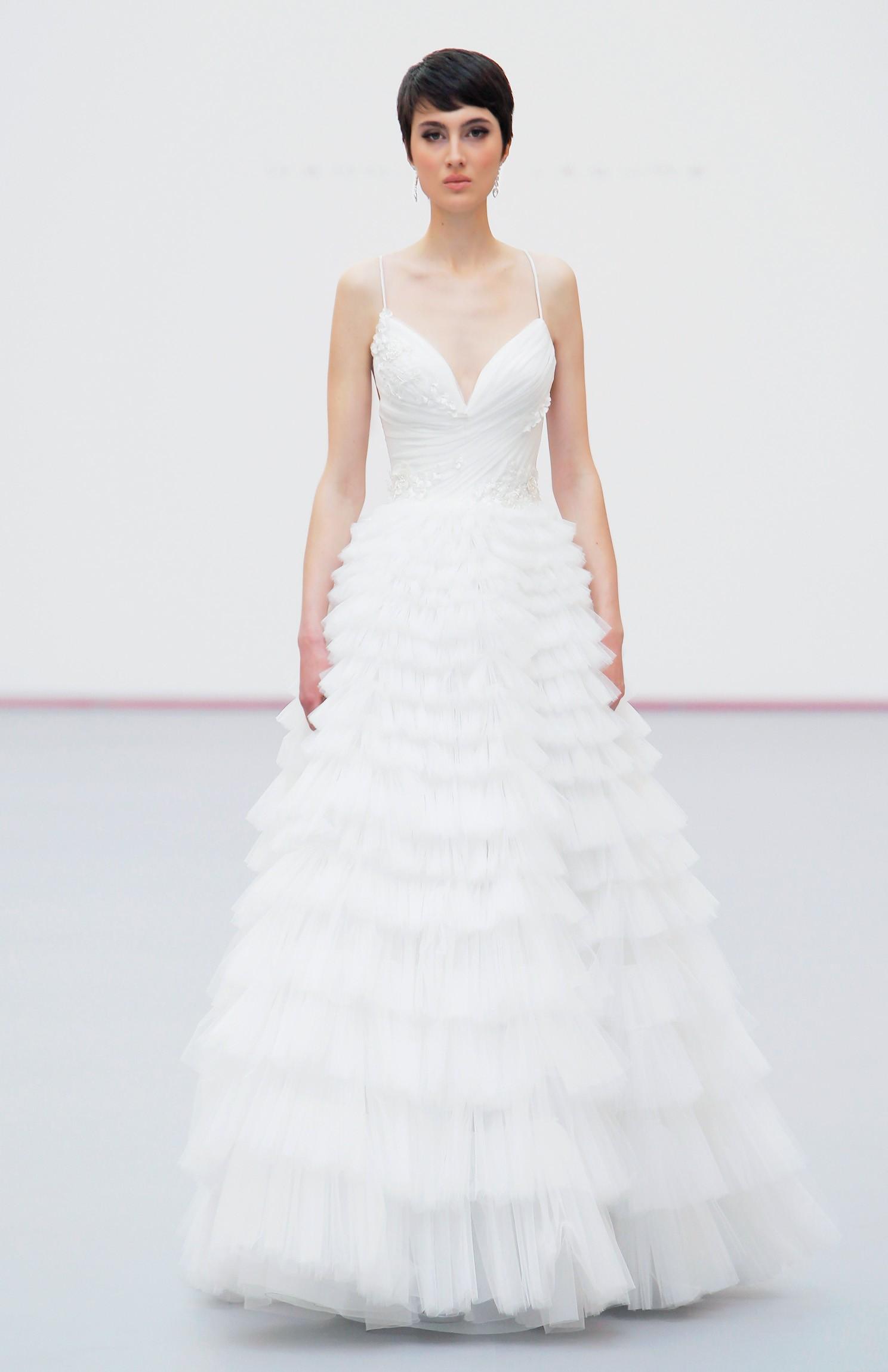 Sonar con vestido de novia brillante